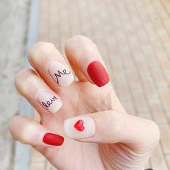 方圆形红色白色手绘钻磨砂美甲图片