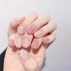 方圆形粉色晕染贝壳片美甲图片