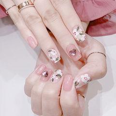 方圆形粉色白色手绘花朵钻春天美甲图片