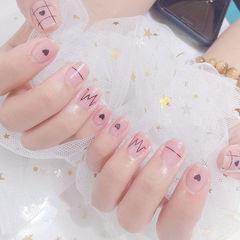方圆形黑色粉色手绘心跳美甲图片