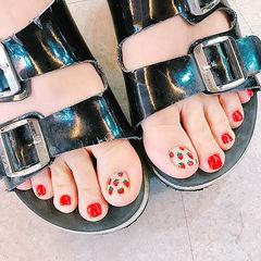 脚部红色水果草莓美甲图片