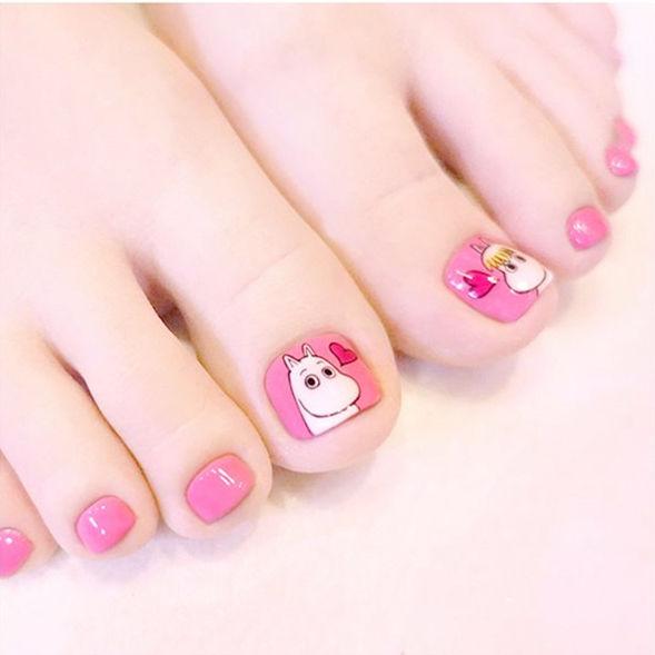 脚部粉色白色手绘卡通可爱美甲图片