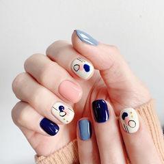 方圆形粉色蓝色白色手绘ins美图分享,想学美甲咨询微信mjbyxs6哦~美甲图片