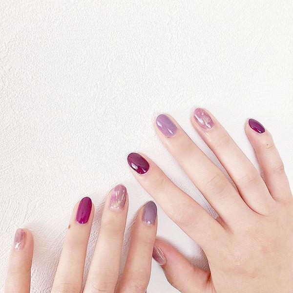 圆形紫色晕染跳色美甲图片