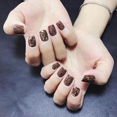 方圆形棕色手绘磨砂金箔美甲图片