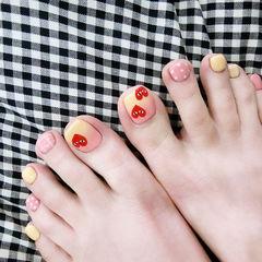 脚部红色粉色黄色渐变手绘心形眼睛波点美甲图片