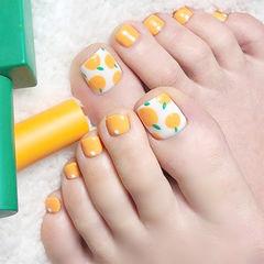脚部黄色白色手绘水果ins美图分享,想学美甲咨询微信mjbyxs6哦~美甲图片