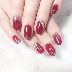 圆形红色钻闪粉新娘显白美甲图片