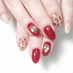 圆形红色棕色贝壳片珍珠手绘豹纹ins美图分享,想学美甲咨询微信mjbyxs6哦~美甲图片