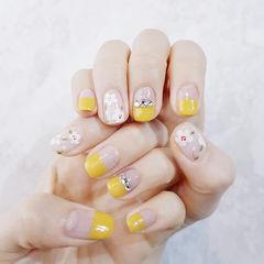 方圆形黄色白色手绘花朵钻平法式美甲图片