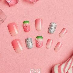 方圆形粉色渐变银色手绘西瓜磨砂美甲图片