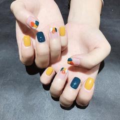 方圆形黄色蓝色橙色晕染跳色美甲图片