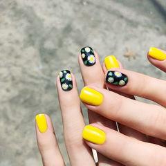 方圆形黑色黄色手绘雏菊跳色ins美图分享,想学美甲咨询微信mjbyxs6哦~美甲图片
