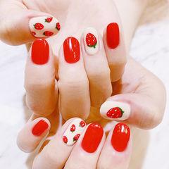 圆形红色白色手绘草莓水果夏天ins美图分享,想学美甲咨询微信mjbyxs6哦~美甲图片