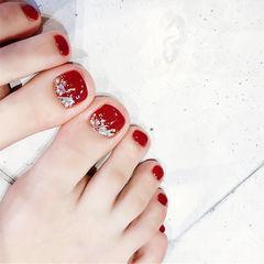 脚部红色贝壳片显白新娘美甲图片