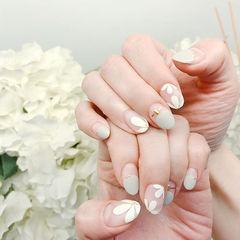 圆形灰色白色手绘花朵圆法式磨砂金银线美甲图片