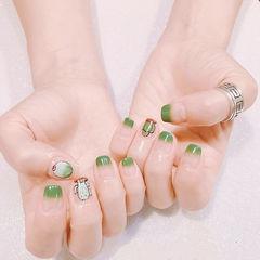 方圆形绿色手绘仙人掌法式夏天美甲图片