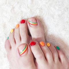 脚部红色橙色黄色绿色彩虹跳色夏天美甲图片