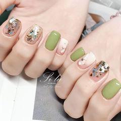 方圆形绿色白色贝壳片金箔跳色分享ins美图美甲图片