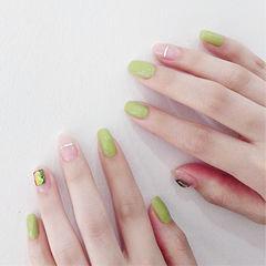方圆形绿色金银线亮片简约美甲图片