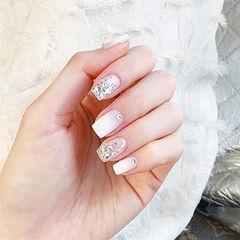 方形白色渐变钻新娘美甲图片
