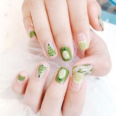 方圆形绿色灰色手绘水果圆法式夏天美甲图片