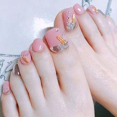 脚部粉色银色金属饰品跳色美甲图片
