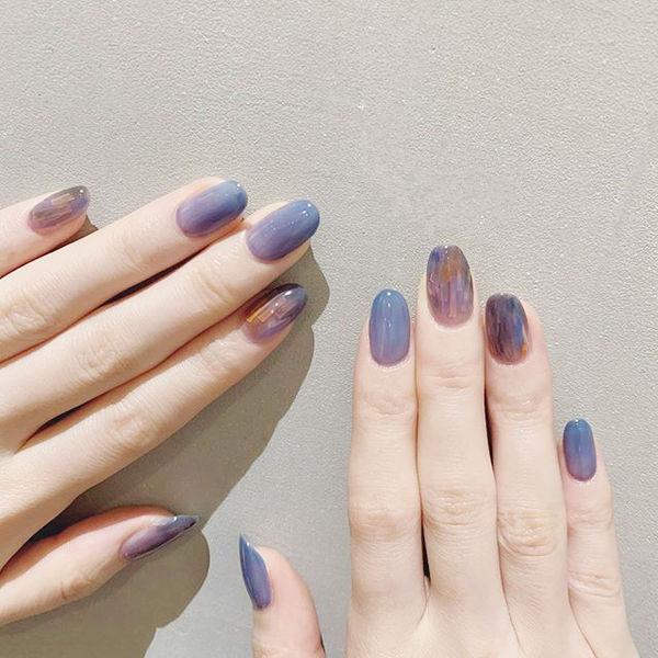 圆形蓝色紫色晕染渐变ins美图分享,想学美甲咨询微信mjbyxs6哦~美甲图片