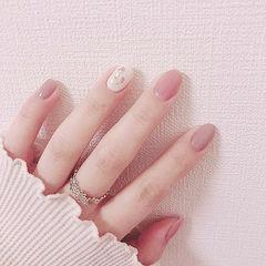 圆形粉色豆沙色贝壳片简约上班族ins美图分享,想学美甲咨询微信mjbyxs6哦~美甲图片