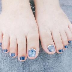脚部蓝色晕染钻ins美图分享,想学美甲咨询微信mjbyxs6哦~美甲图片
