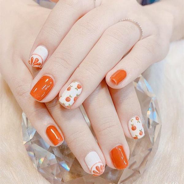 方圆形橙色白色手绘水果圆法式夏天美甲图片