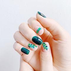 方圆形绿色裸色亮片树叶夏天美甲图片