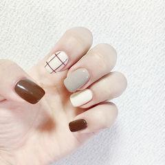 方圆形棕色灰色白色格纹跳色美甲图片