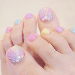 脚部粉色黄色蓝色贝壳珍珠ins美图分享,想学美甲咨询微信mjbyxs6哦~美甲图片
