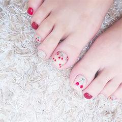 脚部红色银色手绘水果樱桃夏天ins美图分享,想学美甲咨询微信mjbyxs6哦~美甲图片