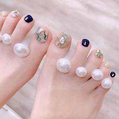 脚部蓝色银色贝壳片夏天美甲图片