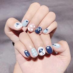 圆形蓝色白色手绘可爱夏天美甲图片