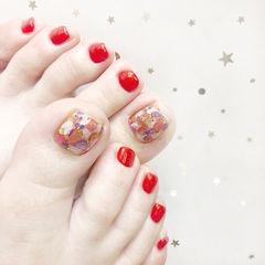 脚部红色贝壳片新娘想学习这么好看的美甲吗?可以咨询微信mjbyxs3哦~美甲图片