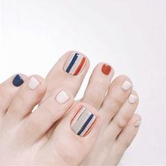 脚部蓝色白色焦糖色条纹美甲图片