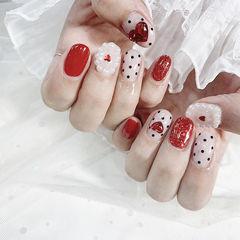 圆形红色白色波点珍珠钻心形想学习这么好看的美甲吗?可以咨询微信mjbyxs3哦~美甲图片