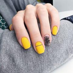 方圆形黄色黑色手绘花朵磨砂想学习这么好看的美甲吗?可以咨询微信mjbyxs3哦~美甲图片