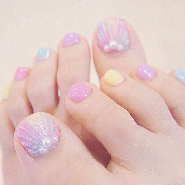 脚部粉色黄色蓝色贝壳珍珠跳色夏天美甲图片