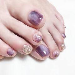 脚部紫色银色晕染想学习这么好看的美甲吗?可以咨询微信mjbyxs3哦~美甲图片