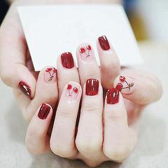 方圆形红色裸色手绘水果樱桃夏天美甲图片