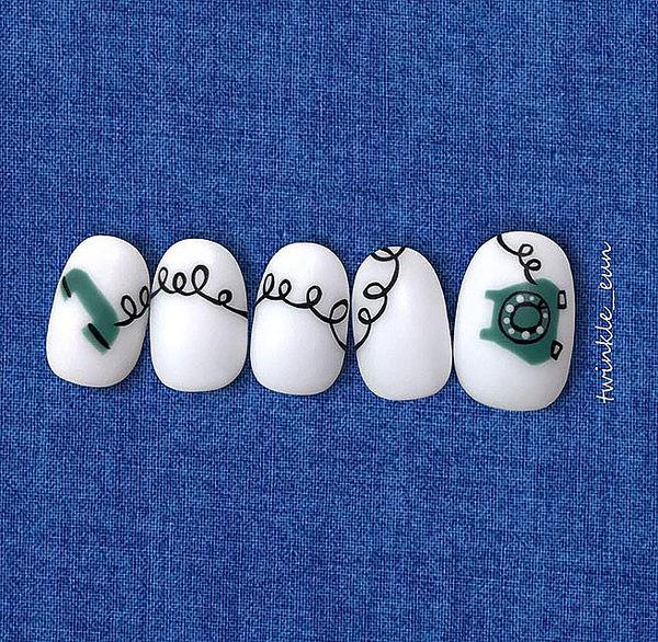 圆形黑色白色绿色手绘可爱磨砂美甲图片