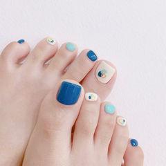 脚部蓝色白色晕染夏天想学习这么好看的美甲吗?可以咨询微信mjbyxs3哦~美甲图片