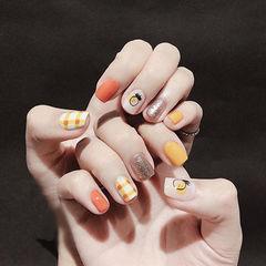 方圆形黄色橙色银色手绘水果夏天格纹跳色想学习这么好看的美甲吗?可以咨询微信mjbyxs3哦~美甲图片