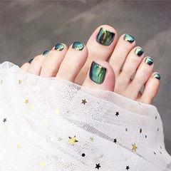 脚部绿色镜面夏天想学习这么好看的美甲吗?可以咨询微信mjbyxs6哦~美甲图片