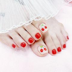 脚部红色手绘水果樱桃夏天想学习这么好看的美甲吗?可以咨询微信mjbyxs6哦~美甲图片