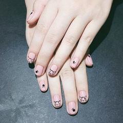 方圆形黑色粉色手绘猫咪可爱想学习这么好看的美甲吗?可以咨询微信mjbyxs6哦~美甲图片